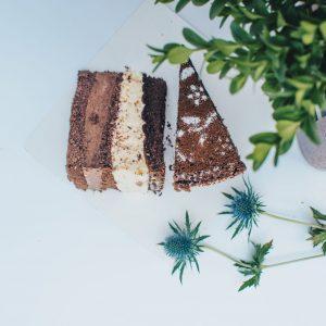 Dvigubas šokoladinis tortas 2,2 kg.