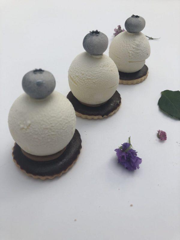 Trapaus sausainio pyragaitis su braškiniais putėsiais