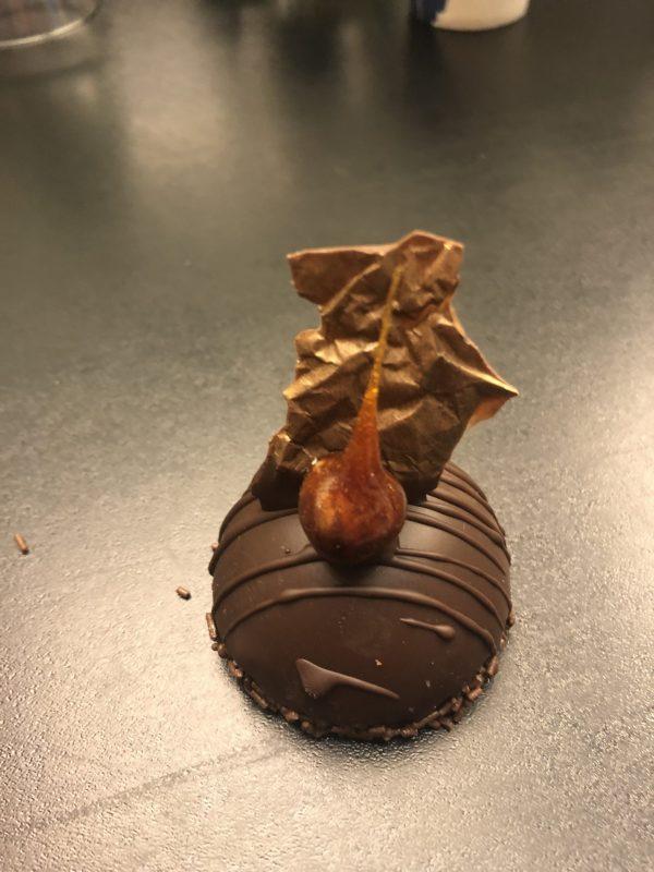 Šokoladinis pyragaitis su uogų įdaru